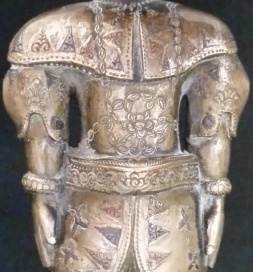 kandy-king-torso