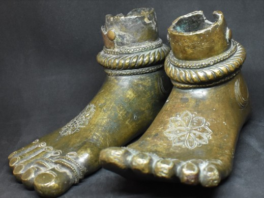 Kavacha feet