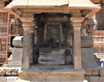 Darasuram missing Ganesha